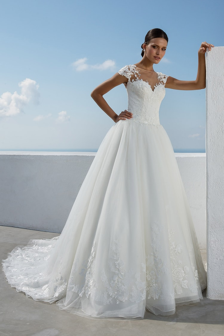 2018 destination wedding dresses 33