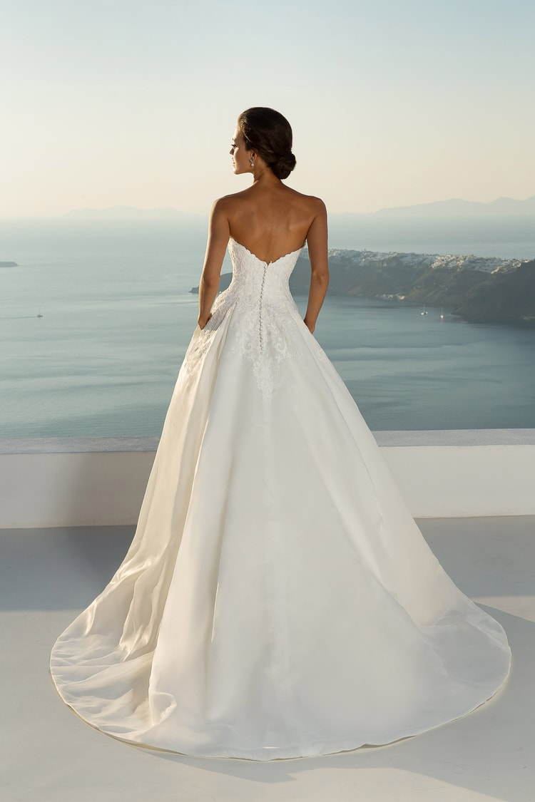 2018 destination wedding dresses 39
