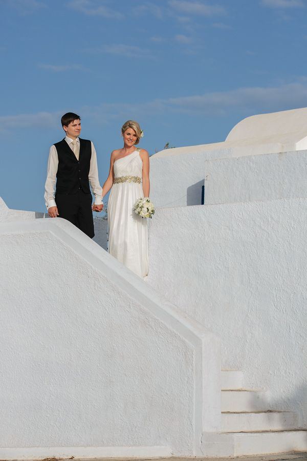 Elopement in the Dreams Luxury Suites in Santorini17
