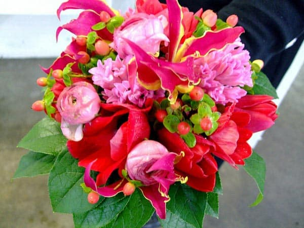fuschia beach wedding bouquets
