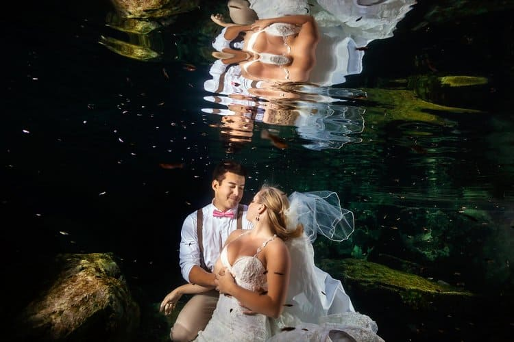 Underwater Trash the Dress Photos in the Riviera Maya