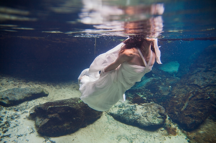 Underwater Wedding Photography 3