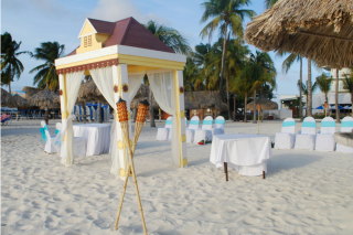 Your Guide to Amazing Aruba Weddings