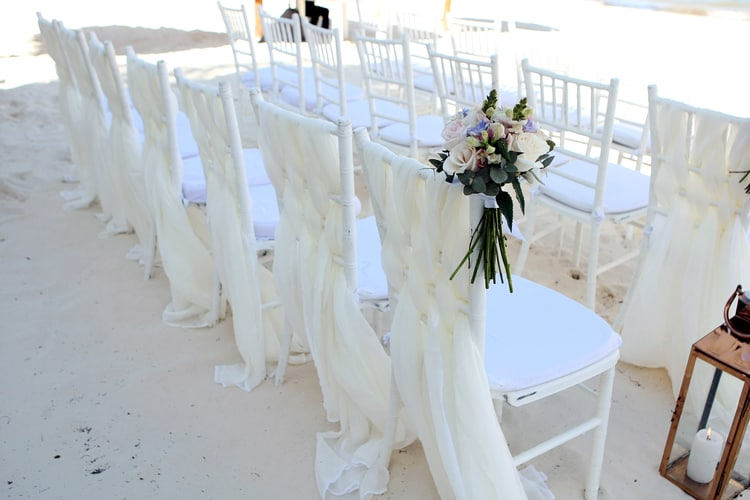 barefoot beach wedding in cancun 90