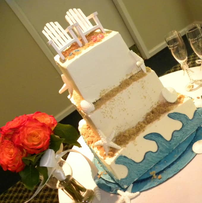 beach-theme-wedding-cake-02