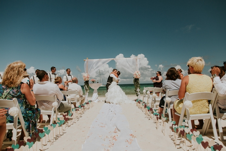 beach wedding at Royalton Riviera Cancun 170