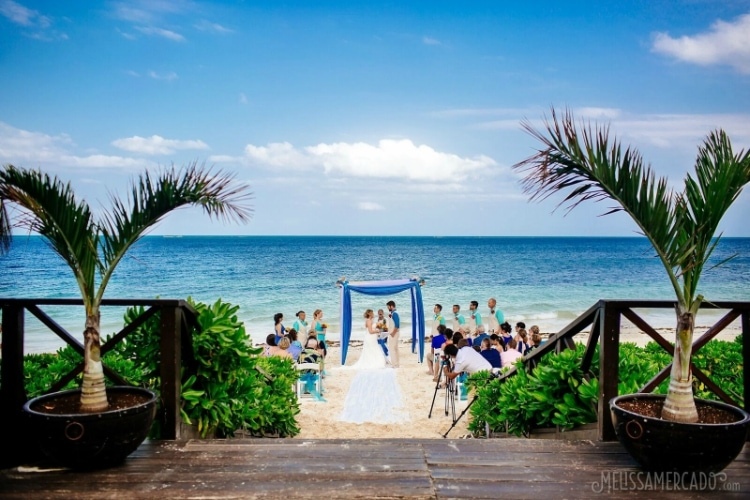 FeaturedVOTE For The Best Destination Wedding Of 2017 And WIN