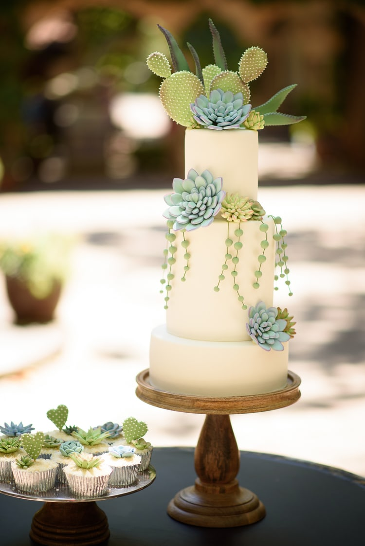 best destination wedding cake ideas 11