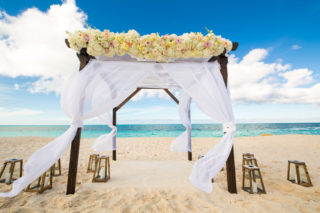 16 Breathtaking Destination Wedding Ceremony Decorations