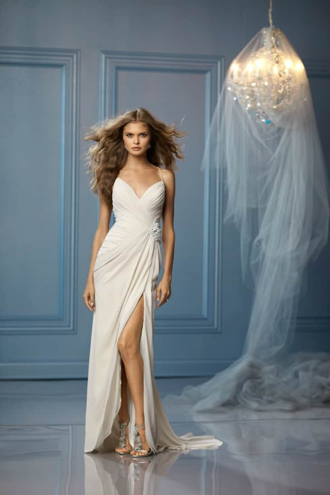 Best Destination Wedding Dresses | Destination Wedding Details