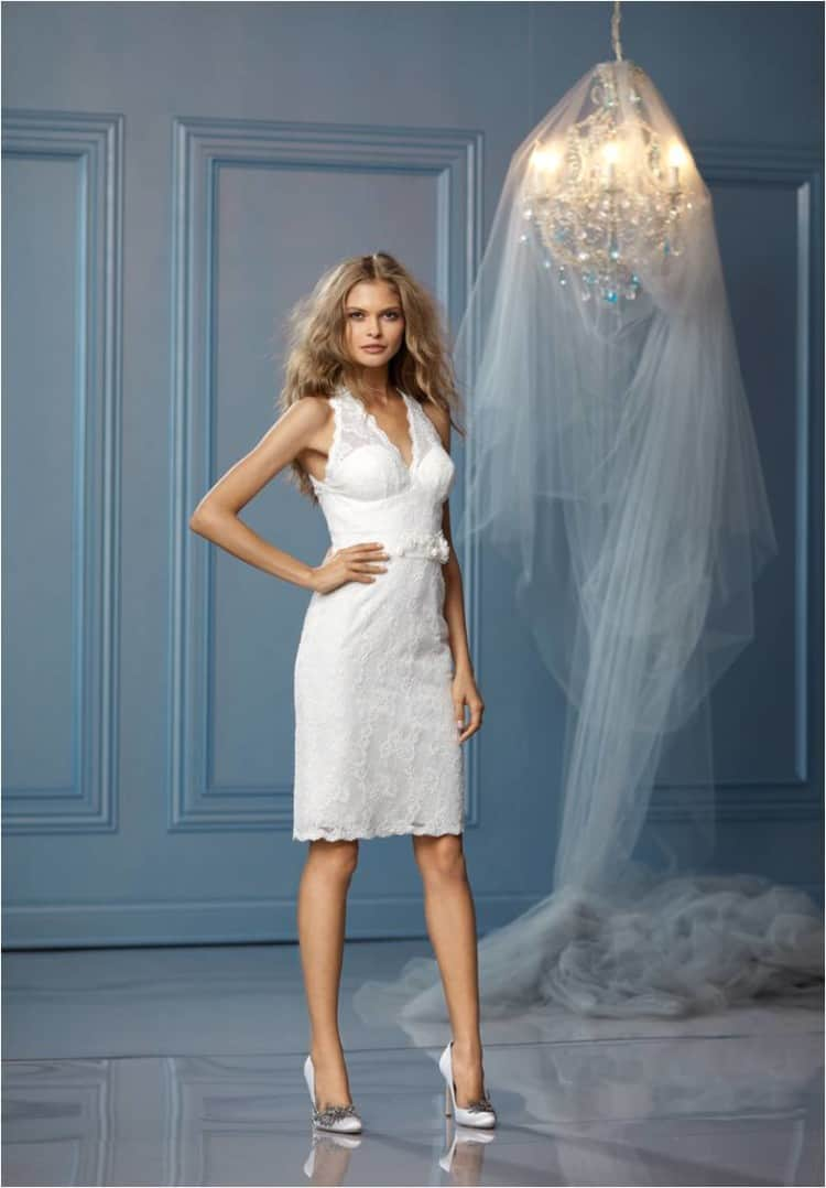 best short wedding dresses for a beach wedding