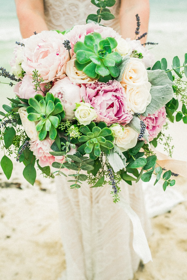 destination wedding bouquets 11