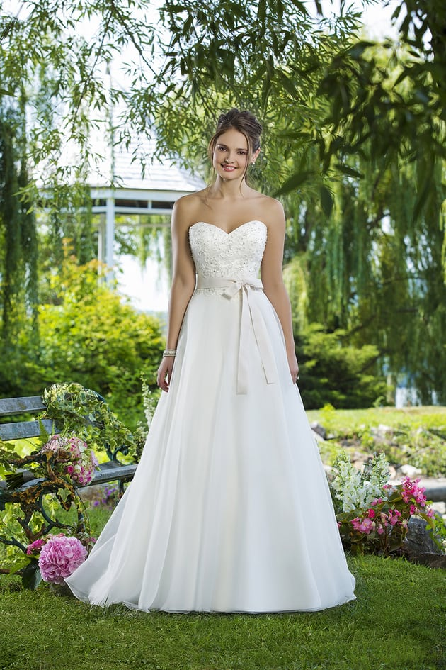 Stunning Destination Wedding Dress Collection | Destination Wedding ...