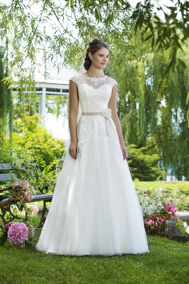 Stunning Destination Wedding Dress Collection | Destination ...
