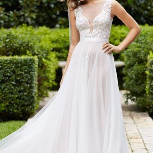 destination wedding dresses_Marnie