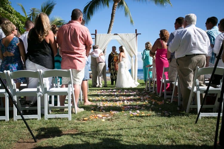 destination wedding in Olowalu Plantation House
