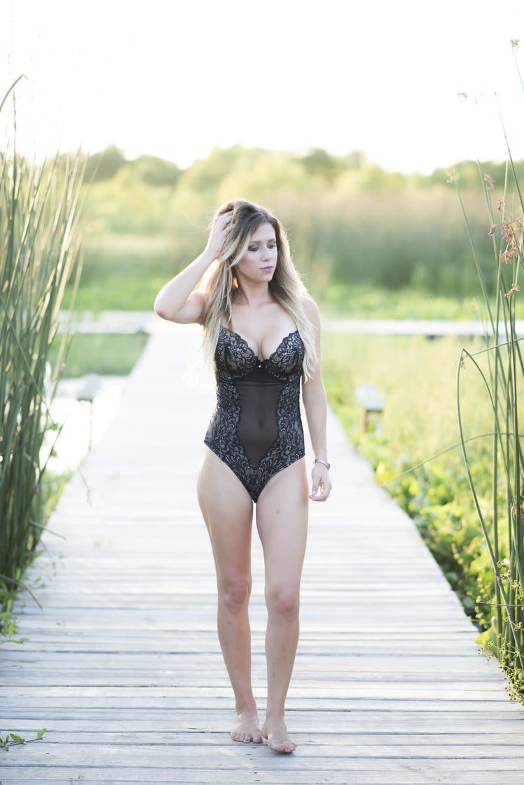 outdoor bridal boudoir 16