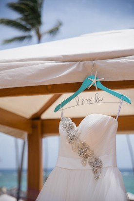 traveling with your wedding dress