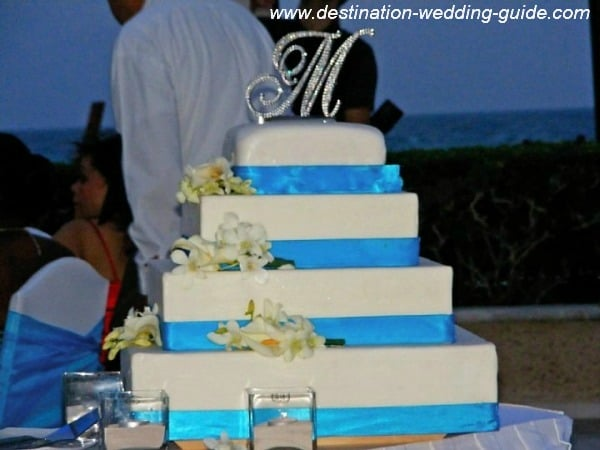 tropical-beach-wedding-cakes-03