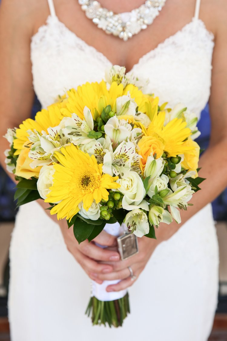 yellow beach wedding bouquet