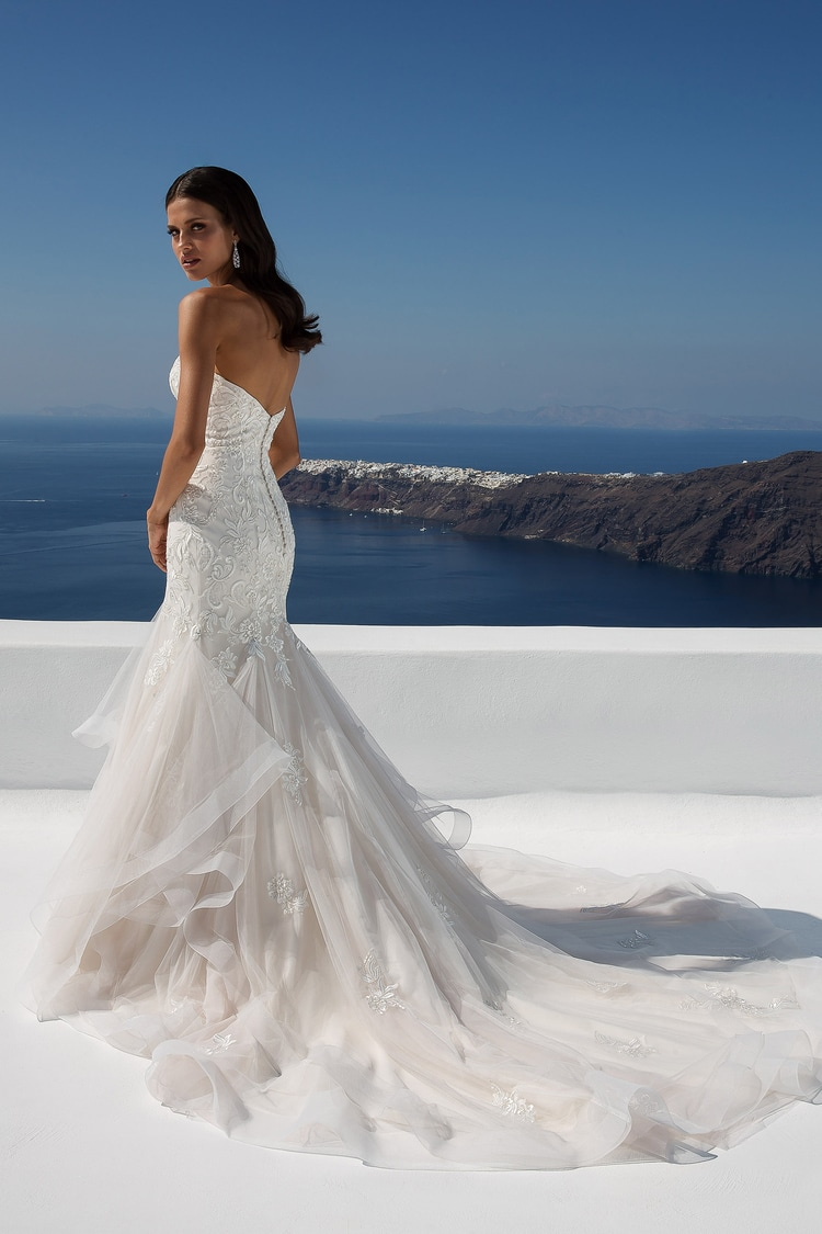2018 destination wedding dresses 43