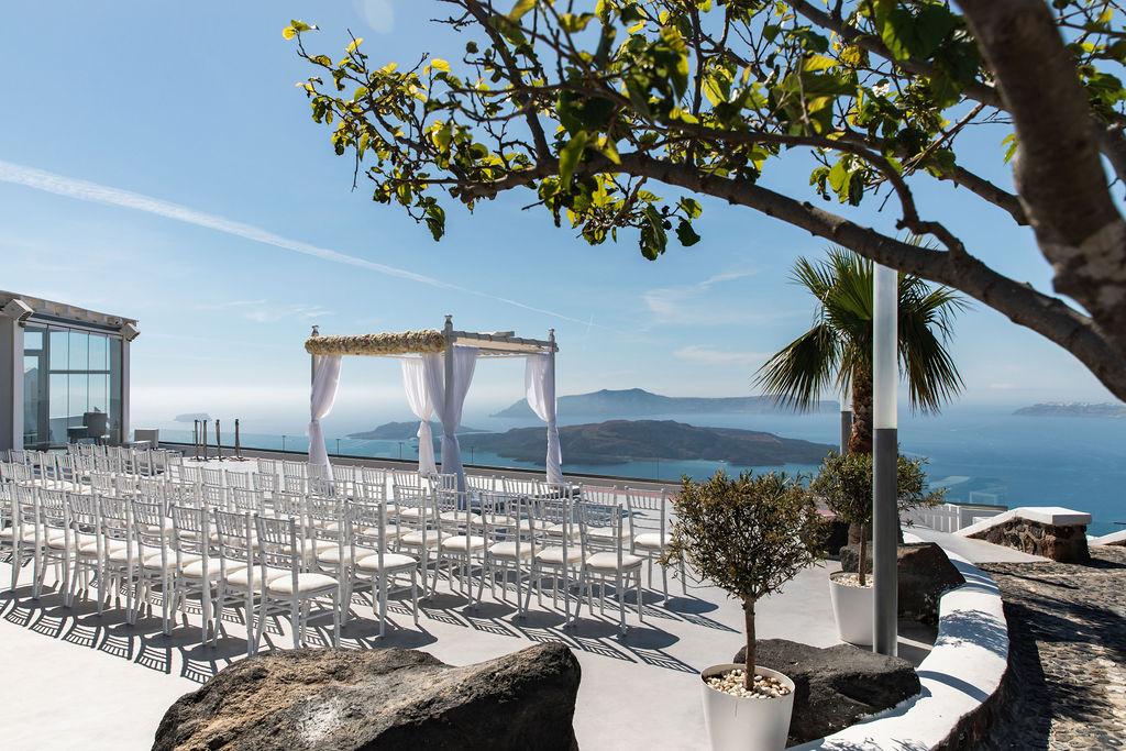 Romantic Santorini wedding 20