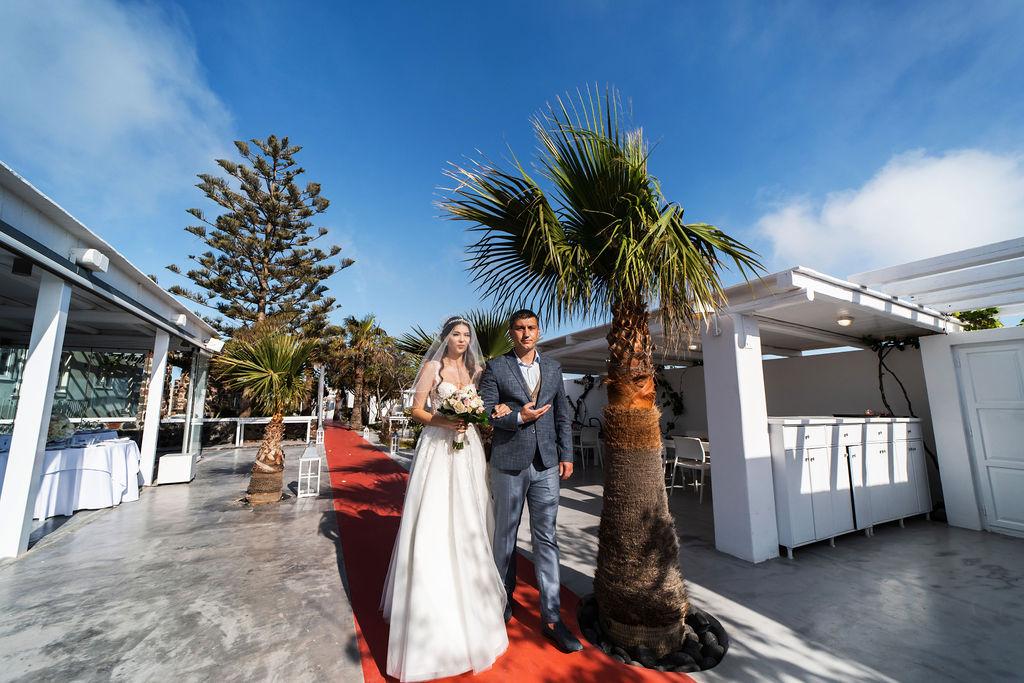 Romantic Santorini wedding 22