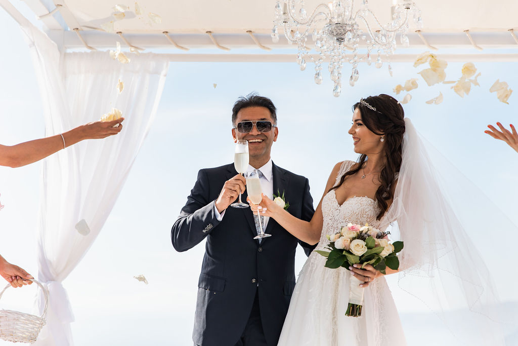 Romantic Santorini wedding 29
