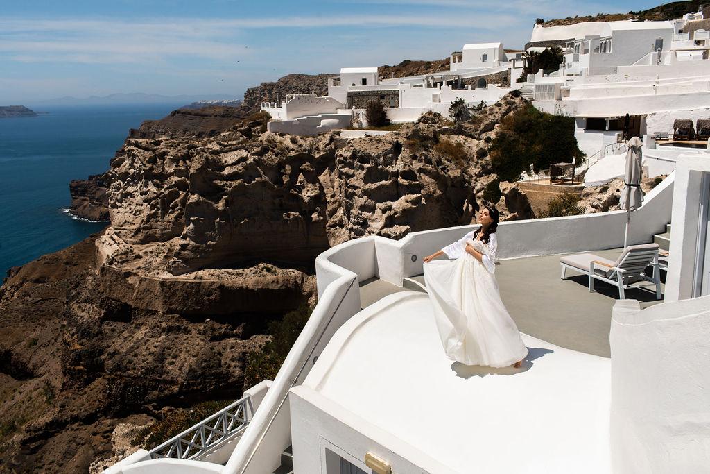 Romantic Santorini wedding 3