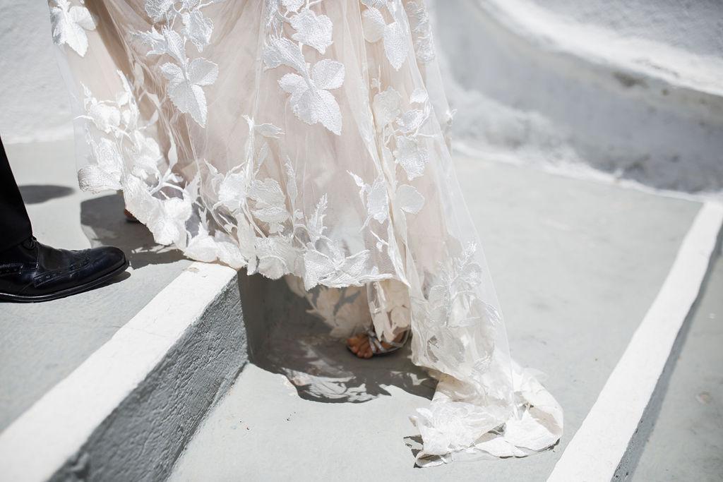 Romantic Santorini wedding 35