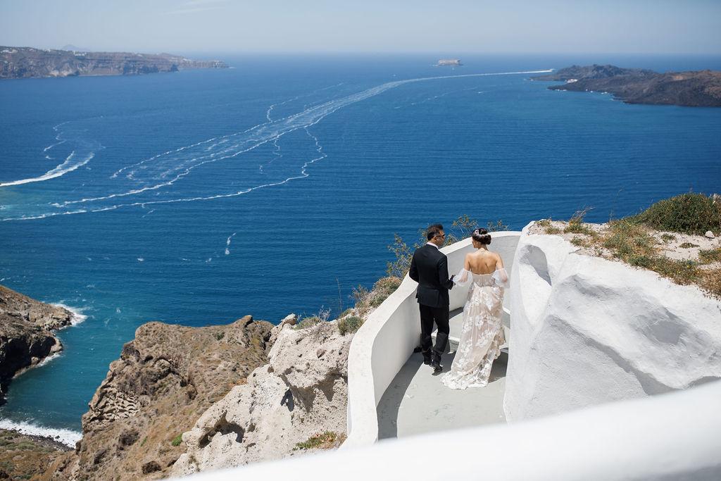 Romantic Santorini wedding 36