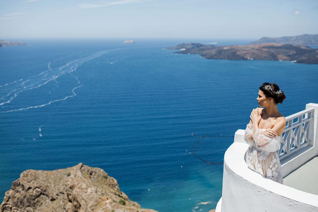 Romantic Santorini wedding 37