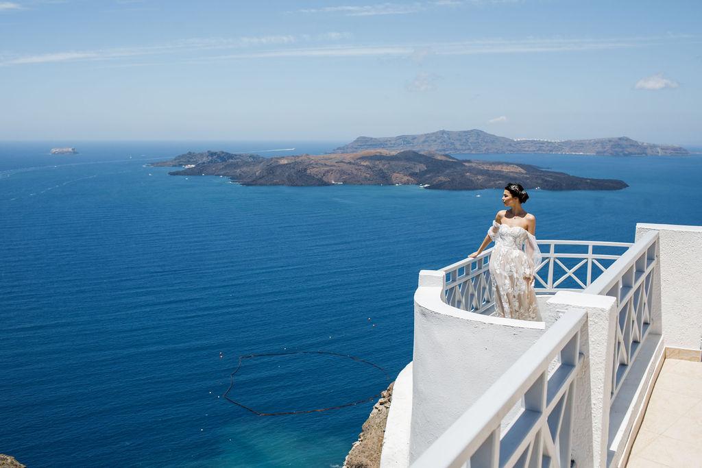 Romantic Santorini wedding 38