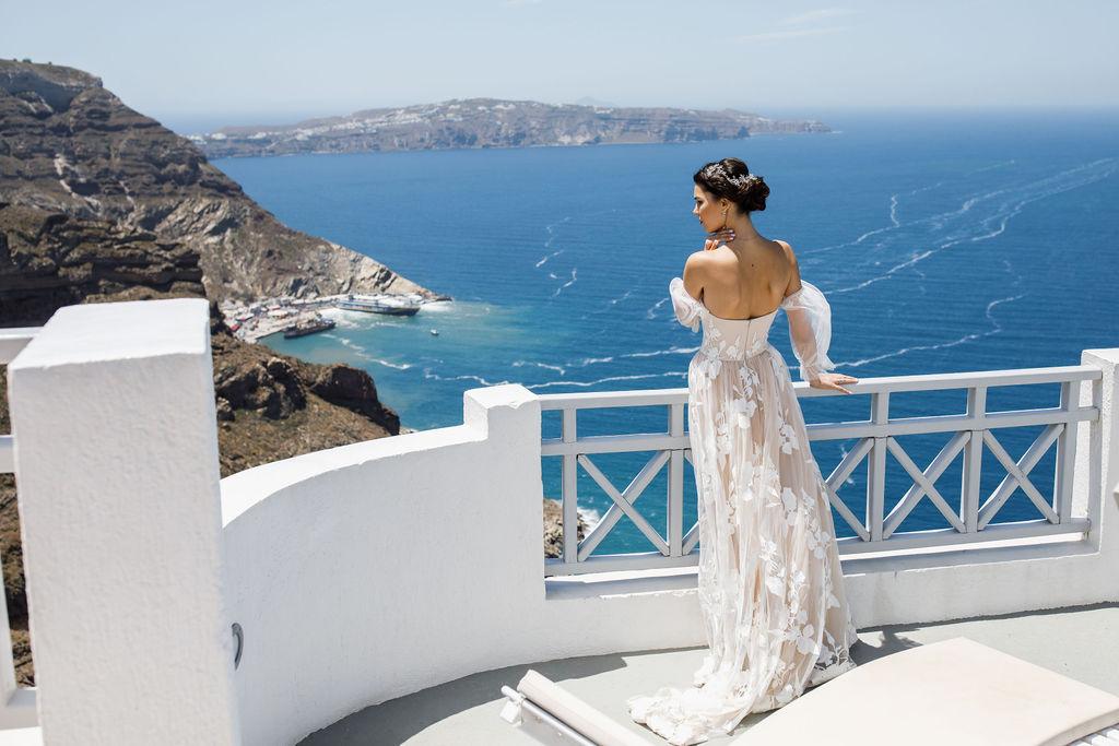 Romantic Santorini wedding 41