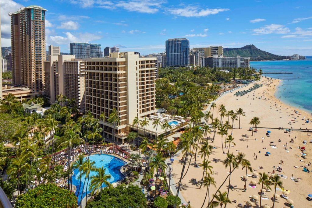 Hawaiian Village Waikiki Beach Resort destination weddings 1024x683
