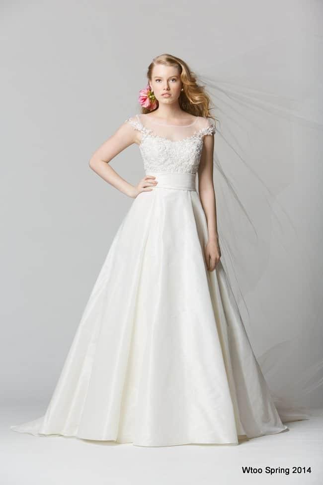 Designer Beach Wedding Dresses | Destination Wedding Details