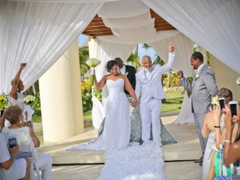 5 things you should not do when planning a destination wedding