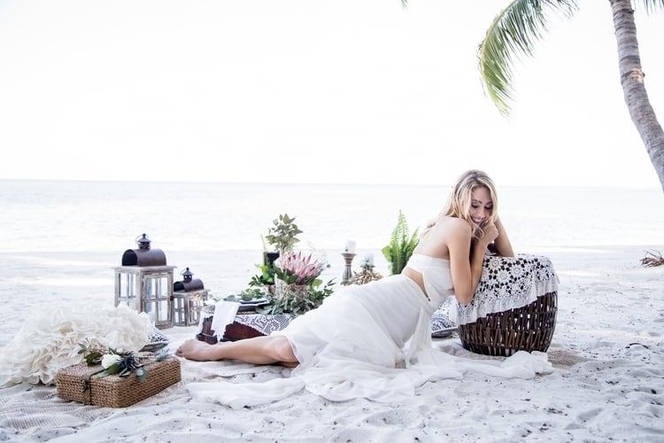 beach wedding details