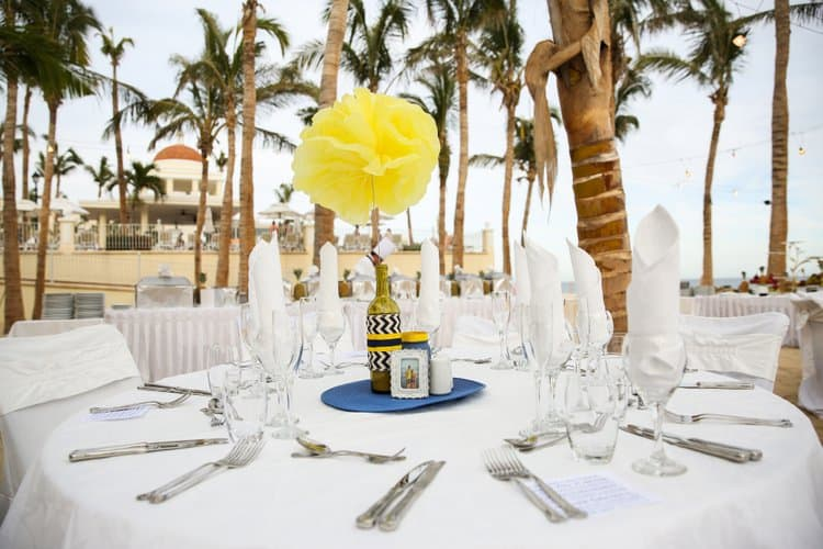 Beach wedding in Cabo San Lucas-016