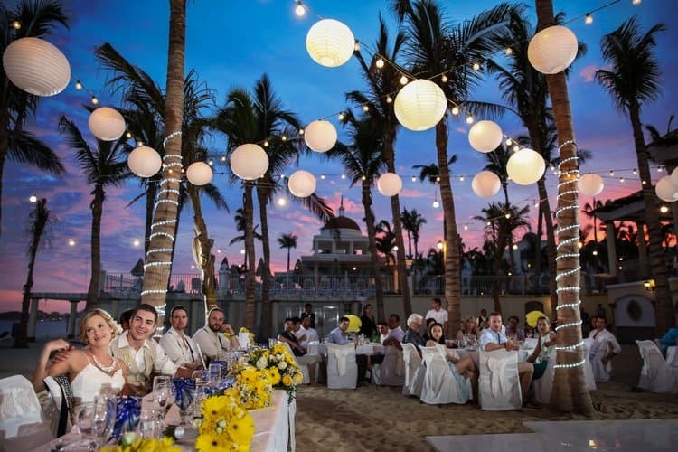 Beach wedding in Cabo San Lucas-019