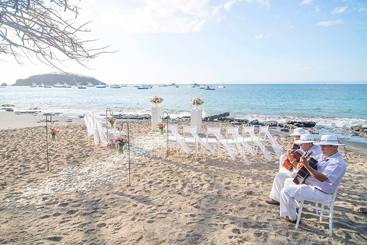 Beach wedding in Playa Ocotal Costa Rica-016