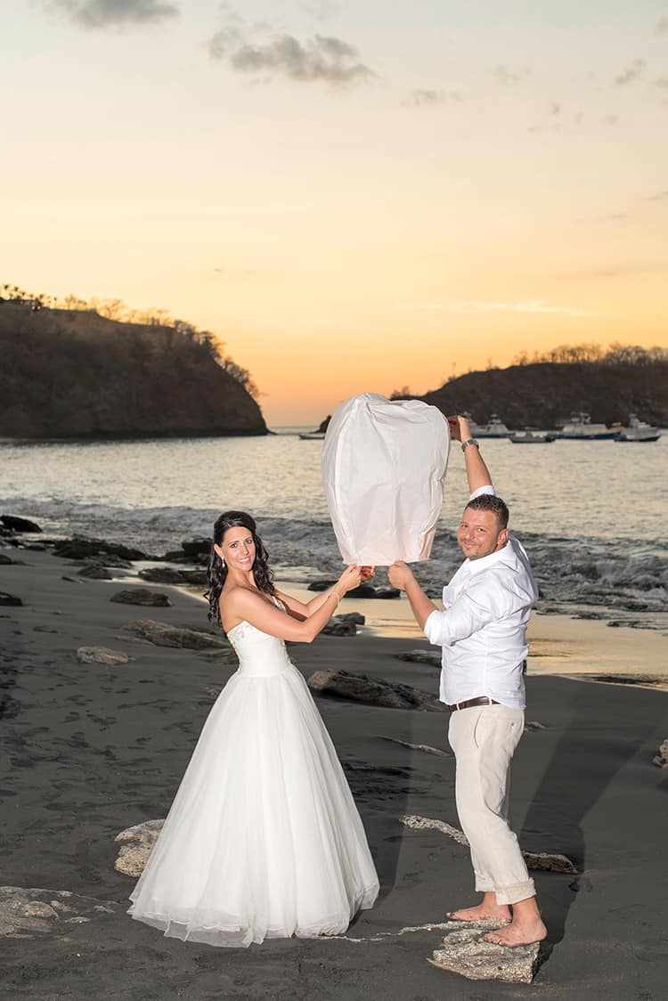 Beach wedding in playa ocotal-034