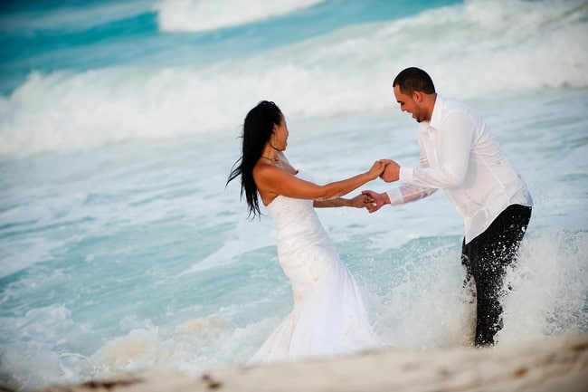 trash the dress photos in Cancun
