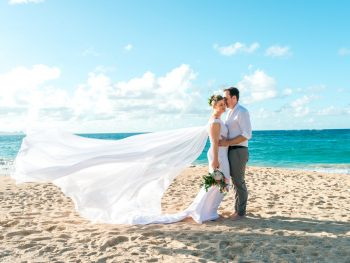 Tropical Destination Vow Renewal in Hawaii