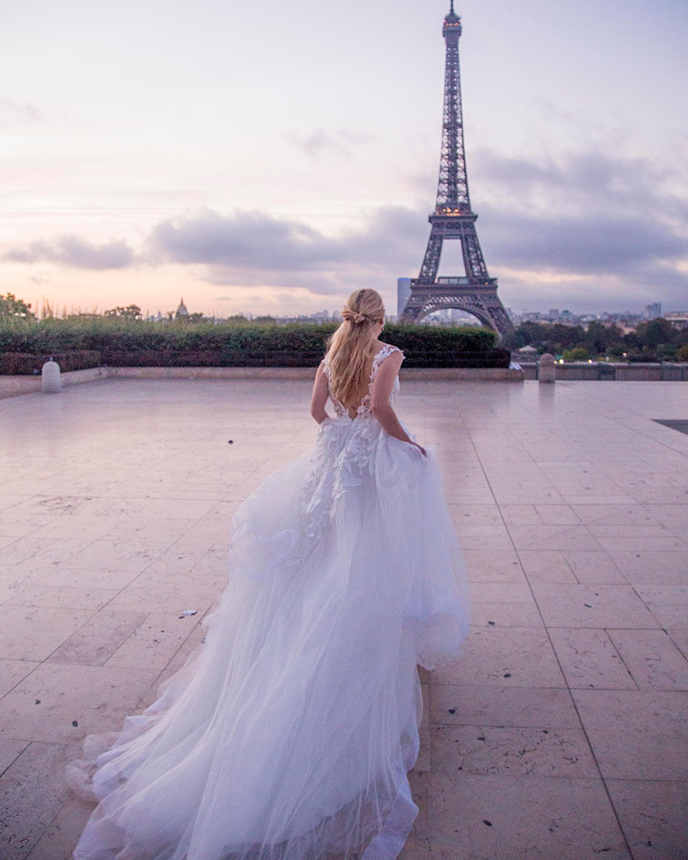 Eiffel Tower Runaway Bride Photo