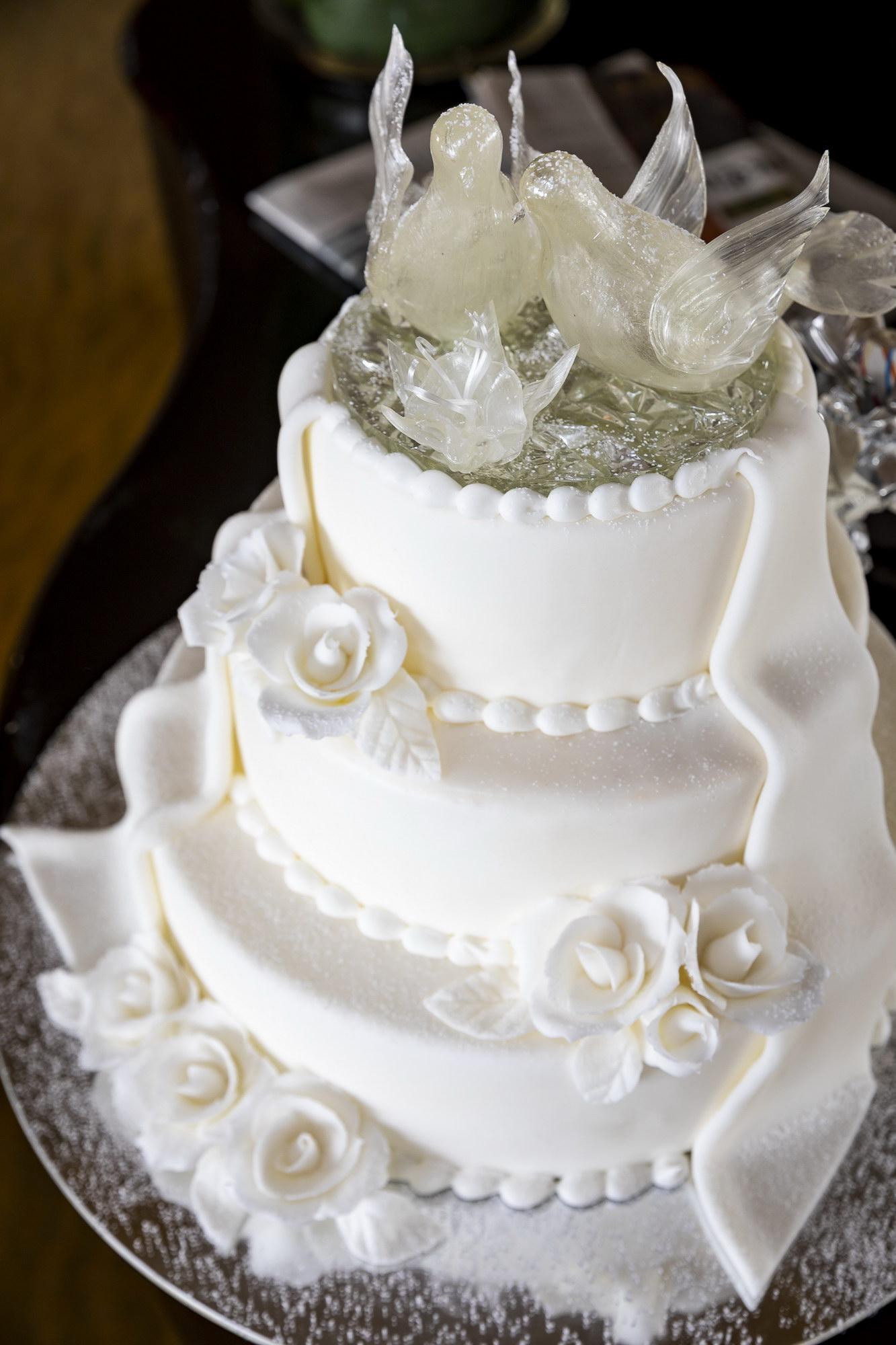 Elegant Formal Wedding Cake