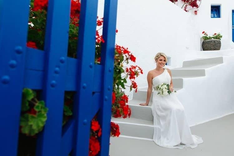 Elopment in the Dreams Luxury Suites in Santorini10