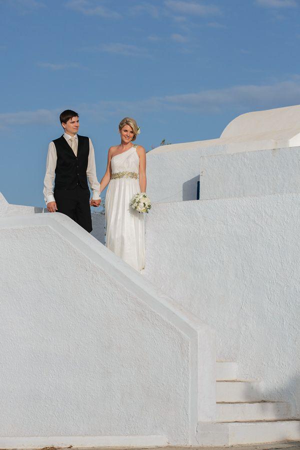 Elopement in the Dreams Luxury Suites in Santorini17