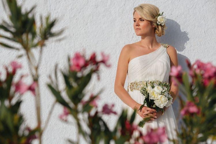 Elopment in the Dreams Luxury Suites in Santorini18