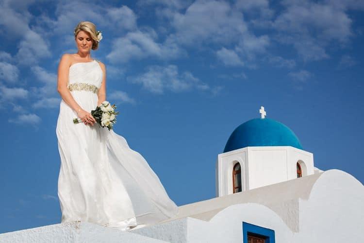 Elopment in the Dreams Luxury Suites in Santorini23